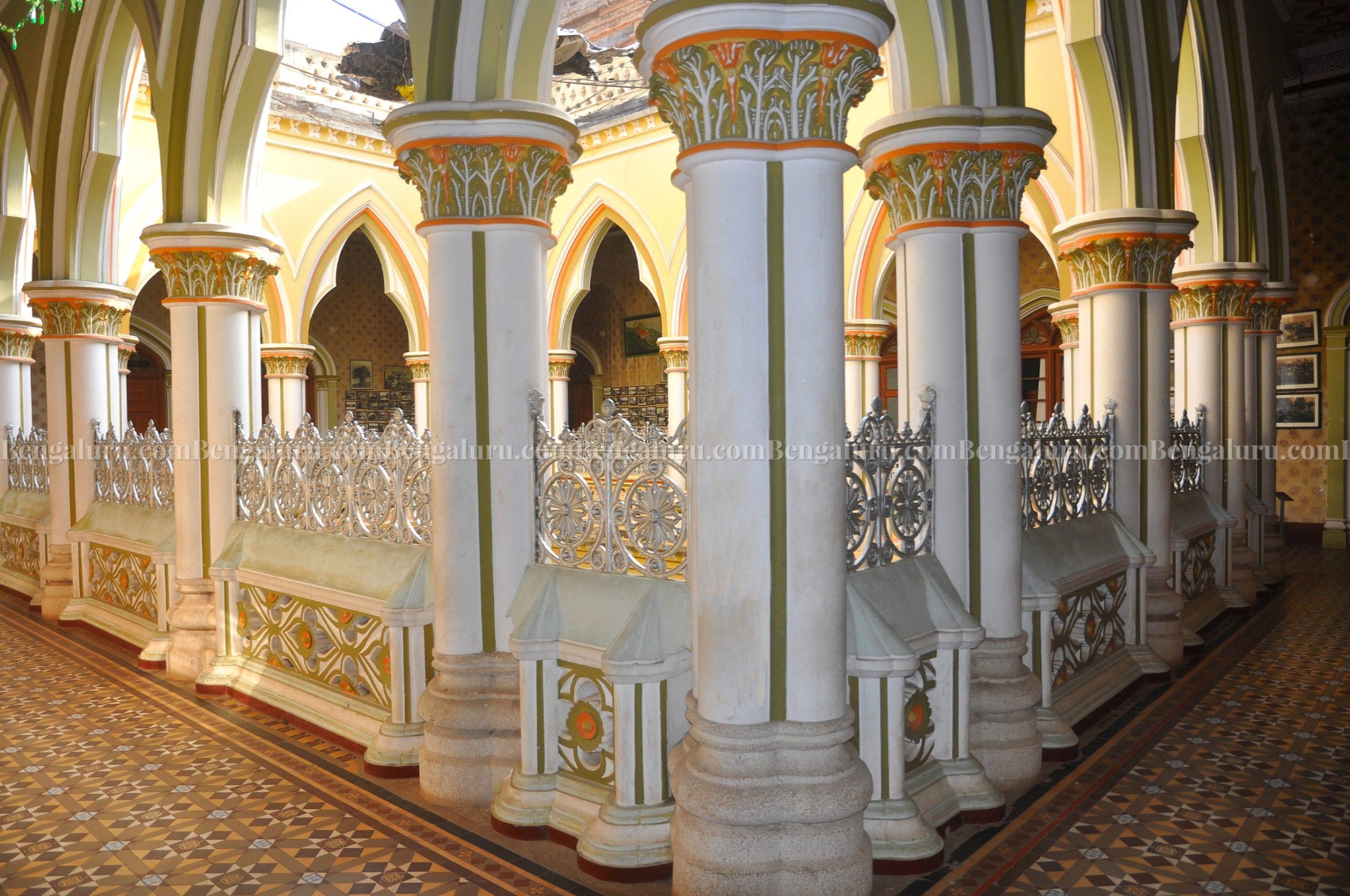 Bengaluru Palace - Artistic Pillars