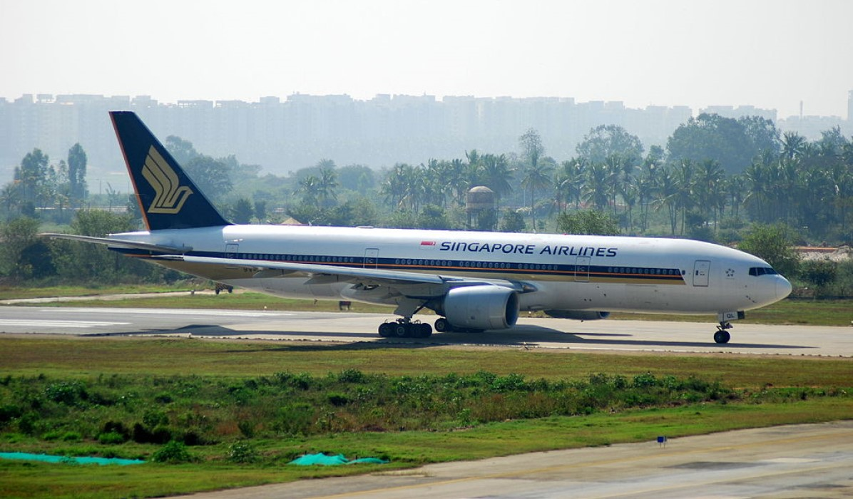 Singapore Airlines Boeing 777 at the HAL airport