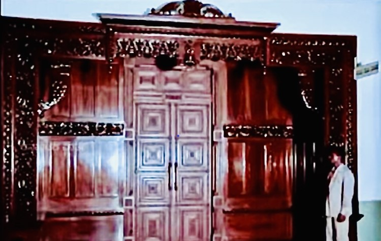 Sandalwood carved door to Cabinet Room